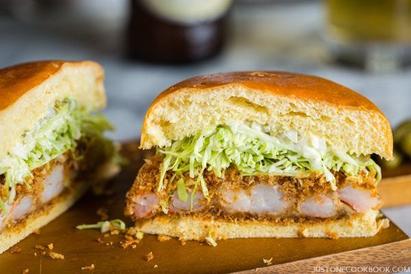 Ebi Katsu Burger Shrimp Cutlet Burger 海老カツバーガー Just One Cookbook Recipe Burger Easy Japanese Recipes Recipes