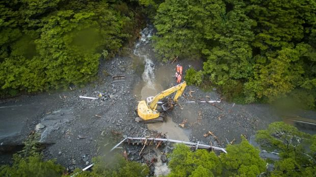 Work is underway to clear a large slip across the main highway north of Arthur's Pass village.