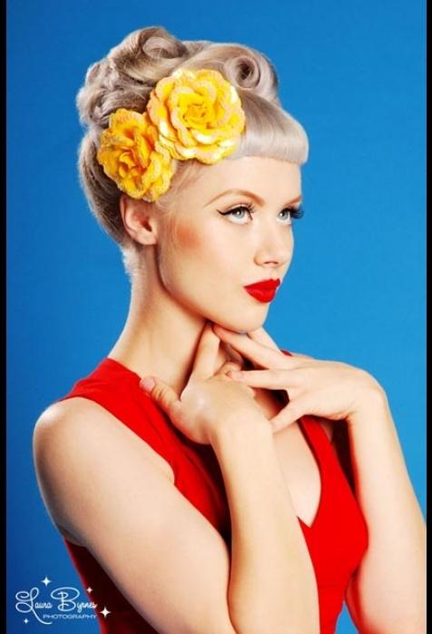 Sequin Petal Hair Rose in Yellow
