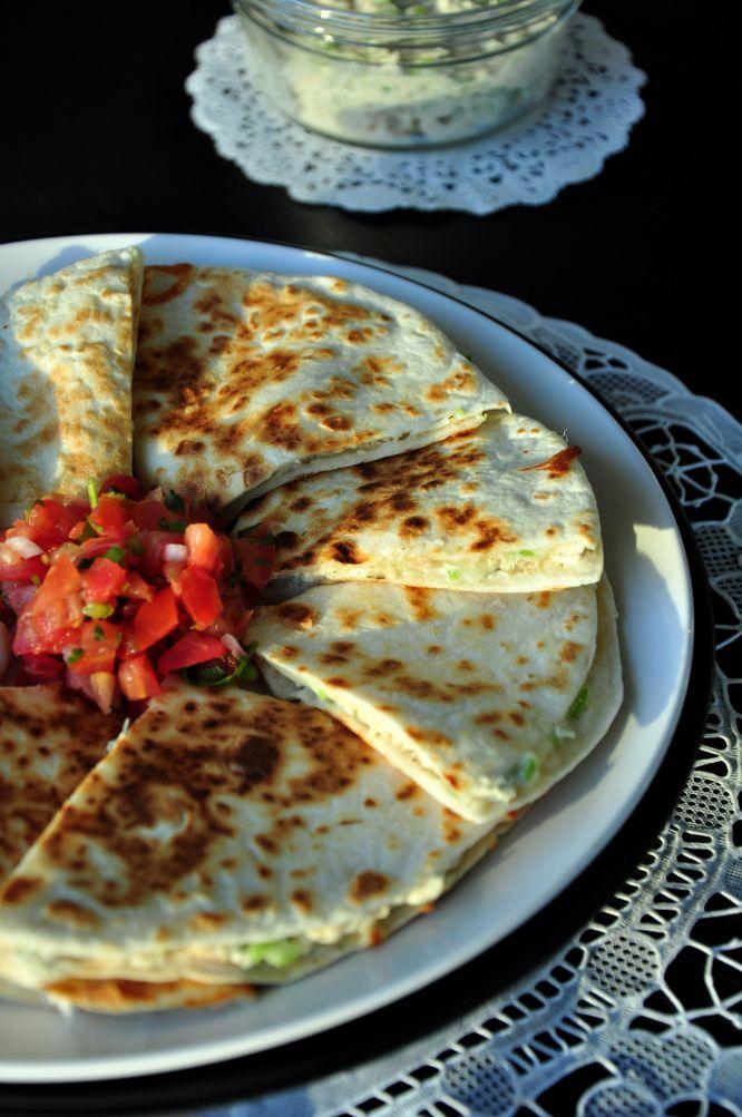 Tonijn salade quesadillas. Video uitleg van Herman den Blijker: http://youtu.be/56Gropj54WM