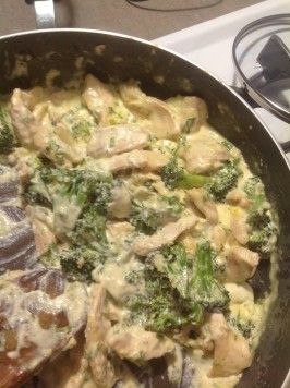 Chicken Broccoli Alfredo - Low Carb. Photo by Posiespocketbook