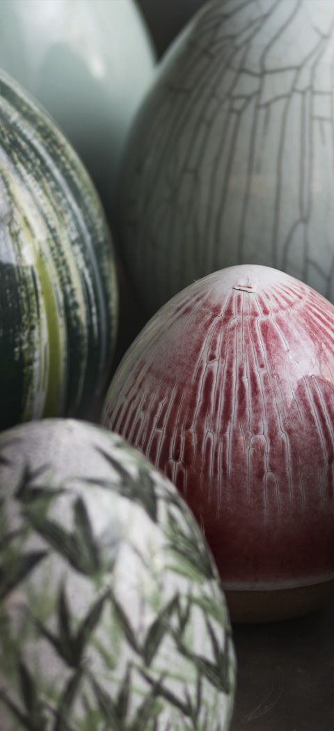 Martha Rieger(מרתה ריגר) is a Sculptor and a Ceramic Artist. She brings together the egg shape and its symbolism and the idea of garden in the East & West.