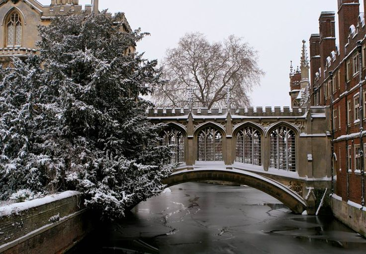 The Bridge of Sighs, St John's College, Cambridge, England by El