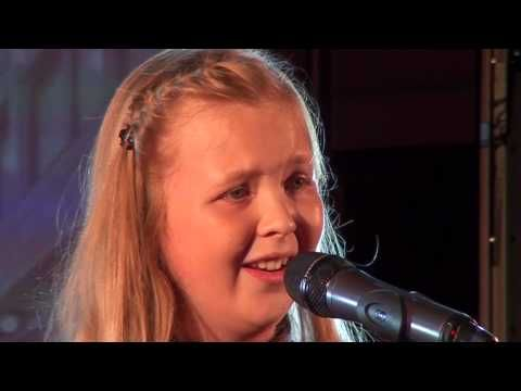 I DREAMED A DREAM – LES MIS performed by BEAU at TeenStar singing contest - YouTube