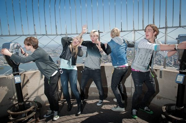 R5 havin some fun on the Emipre State Building!