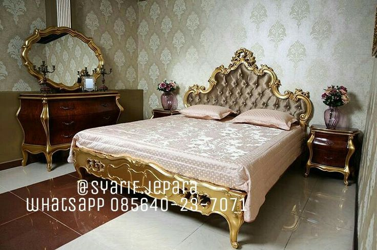 Product : Bedroom Numarta Material :  Kayu Mahoni Finishing : Gold Leaf Excellent Price : Contact Us  Whatsapp 085640237071  Call 082331583274