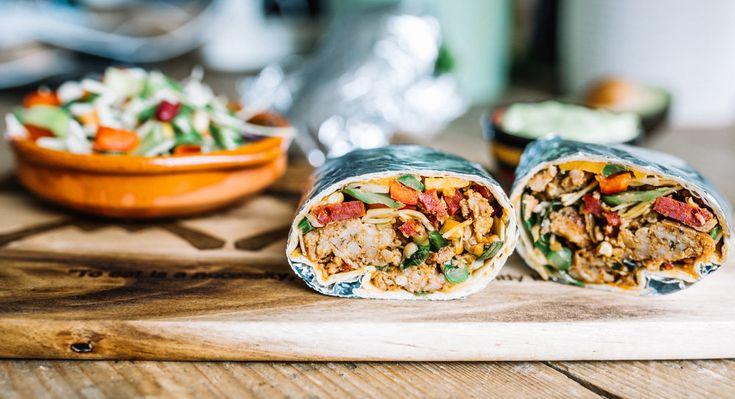Mexicaanse Kipgehakt Burrito met een avocado truffel crème sausje — Nigelvdhorst.com