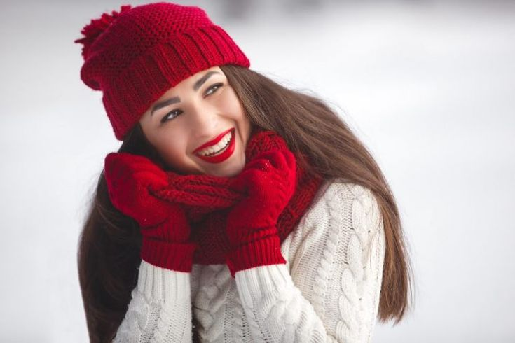 Cómo cuidar la piel sensible en invierno - Trucos de belleza caseros Winter Hats, Beauty, Style, Dogs, Fashion, Face Cleaning, Healthy Skin, Sensitive Skin, Skin Care