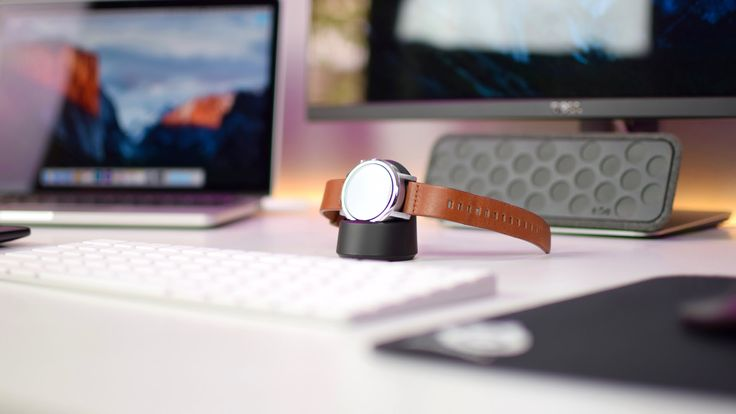 Moto 360 (2nd Gen) Review: 10 Months later!