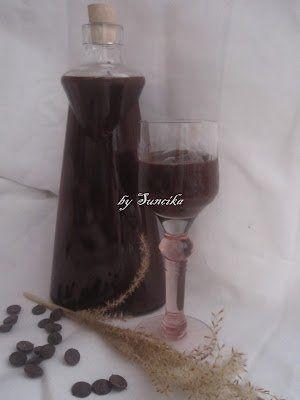 Csokoládélikőr - 3 dl rum 15 dkg cukor 2 dl tejszín 10 dkg 70%-os étcsoki 4evőkanál(holland) kakaópor