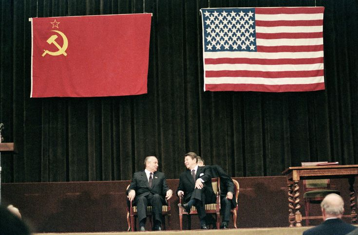Nov. 21, 1985: President Ronald Reagan meets with Soviet leader Mikhail Gorbachev at the Geneva Summit.