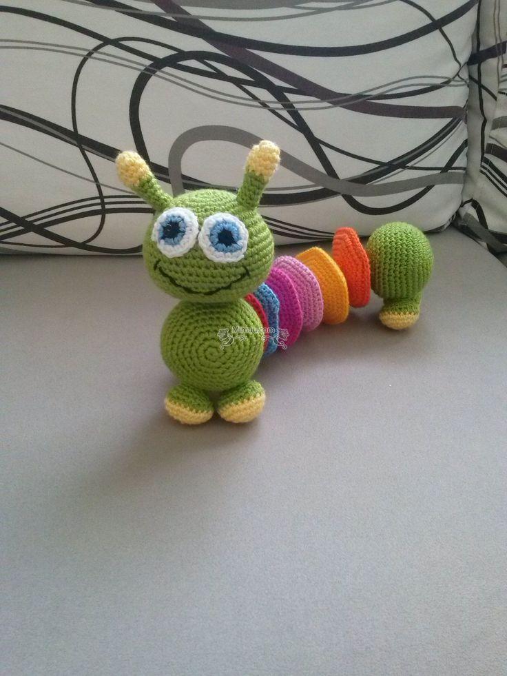Kızıma renkleri öğretmek için ördüğüm ve severek oynadığı amigurumi renkli tırtılın yapılışını paylaşmak istiyorum sizlerle. Dilerseniz yapmam için sipariş
