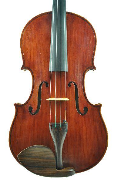 Viola contemporánea hecha en Castellterçol  por el luthier Marçal Serradesanferm