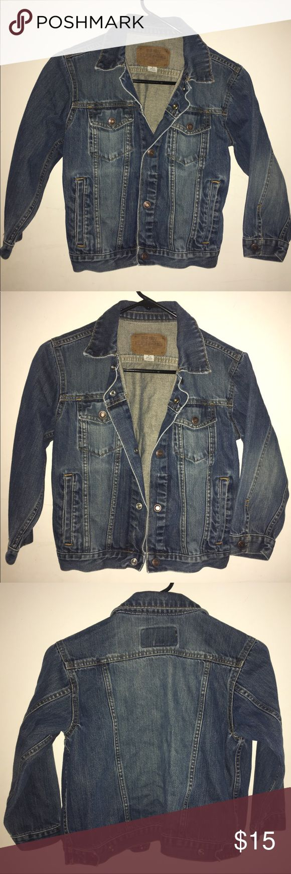 Child OLD NAVY Jean Jacket Denim Girl Boy Unisex Old Navy Jacket! Child Size Small in Excellent Pre-Loved Condition! See Pictures for Details & let me know if you need Measurements. Please make sure this will fit before purchasing! 🌹 Don't forget to look at my other items! 💕Bundle & $ave💕 If over 5 lbs, Extra Shipping Fees Apply. Contact me 1st & I can let you know the weight of your bundle 😄 Old Navy Jackets & Coats Jean Jackets