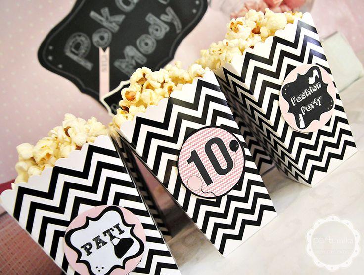 Pudełko na popcorn czarne zyg-zaki - partymika