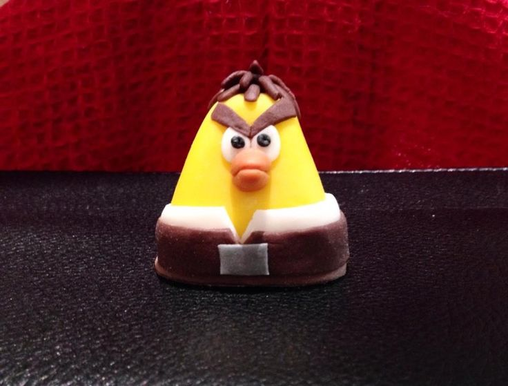 edible figure i made for my angry birds star wars cake 2014