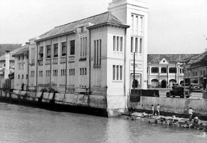 Tio Tek Hong building at Pasar Baru 1905
