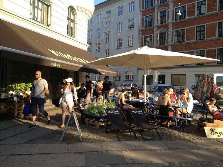 Always a good atmosphere around Kihoskh  at Sønder Boulevard