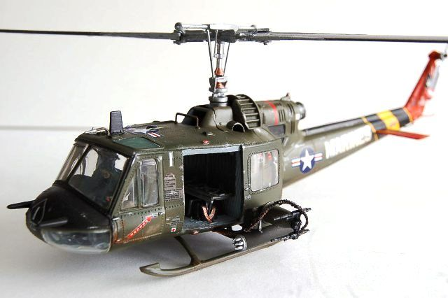 huey helicopter models with 556405728940457123 on 71689 Bell Uh 1d Huey Bundeswehr moreover Hasegawa 00433 Uh 60a Black Hawk U S Army Tactical Transport Helicopter 1 72 Scale Kit together with 423 Bell Uh 1n Twin Huey moreover 34817 in addition Scale RC Huey Helicopter.