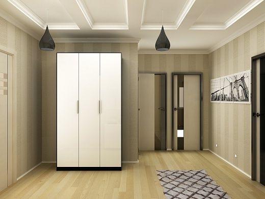 Прихожая выполнена в светлых бежевых тонах. Данная зона квартиры достаточно просторная. Из предметов мебели имеется 3-дверный платяной шкаф, практически до потолка, и комод для обуви, корпус которого выполнен из МДФ и шпона, а дверцы – из МДФ, покрытые белым лаком.