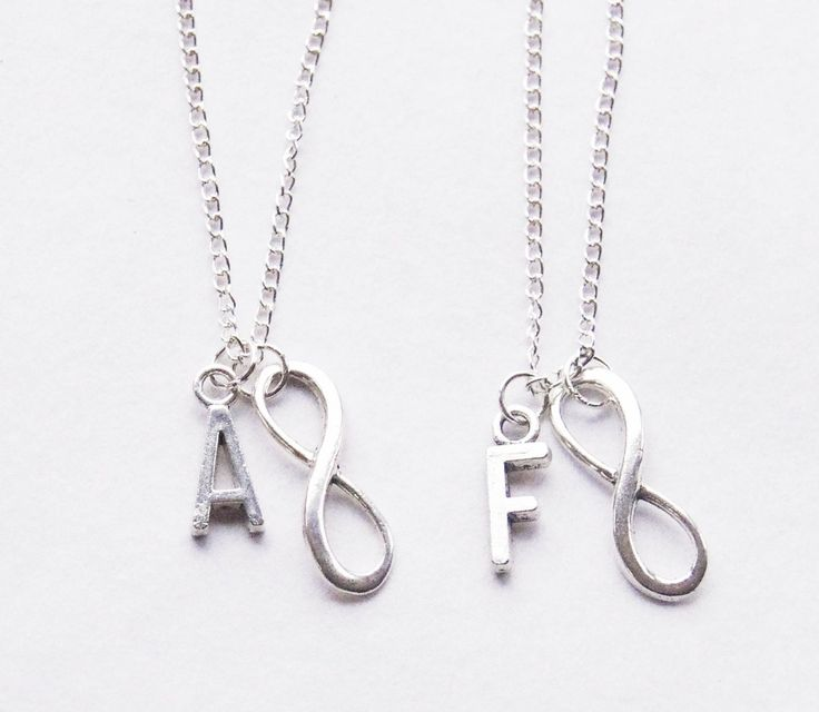 #bestfriends #friendship #bffnecklace #bffgift Best Friends Necklace Set, Infinity Necklaces, Initial Best Friend infinity Necklace Set, Best Friend Jewelry Gift, Friend necklaces by SmittenKittenKendall on Etsy