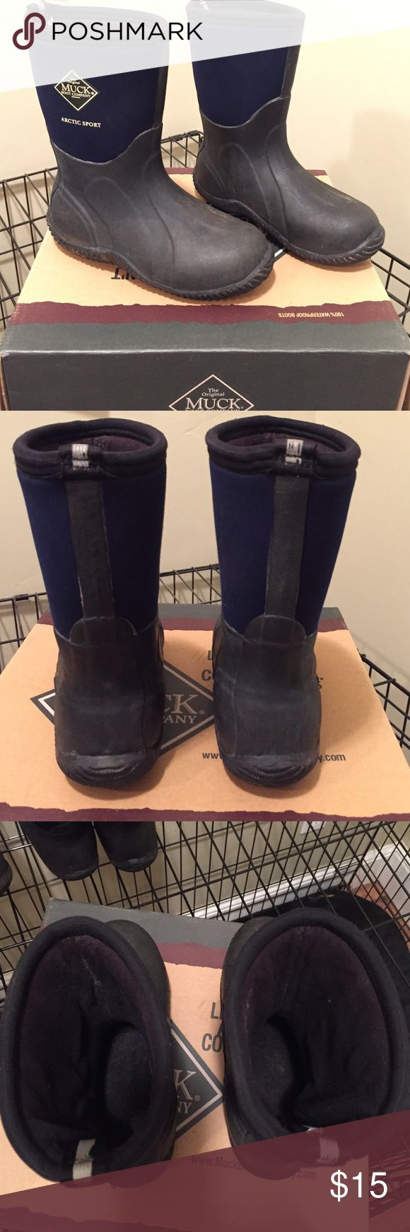 Youth Muck Boots The Original Muck Boot - Arctic Sport - Navy Blue Kids Size 2. Worn one season and in great condition.  Keep feet dry and warm. Awesome boots! Shoes Boots