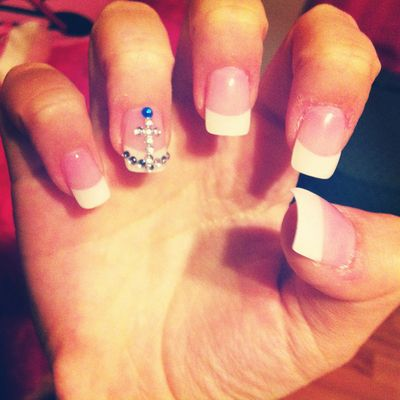 French acrylic manicure with anchor stone design on accent nail. :)