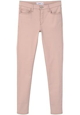 Iris Tinunin, Fashion Blogger di Stylosophique - Tendenza Nude, Trend Nude, Nude Colors, Nude Palette, Nude Shoes, Nude Clothes, Wishlist --- Mango BELLEPRI - Jeans slim fit - nude a € 29,99 (via Zalando)