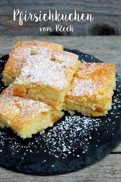 Ein super saftiger Pfirsichkuchen vom Blech. Super toll und schnell zu zubereiten. Mache ihn mal mit mandarinen oder kirschen. Lecker