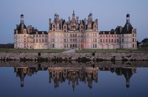 Chateau de chambord it is the largest castle in the loire for Lodges in france