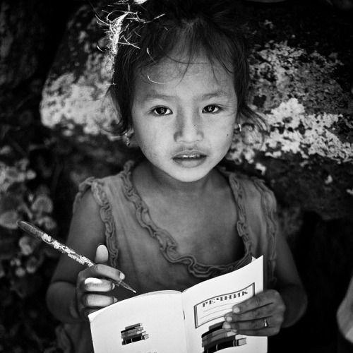 Khmer girl improving her Macedonian language - Captured in Kompong Cham, CAMBODIA