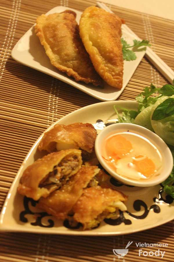 spicy tomato hoi an wontons with spicy tomato sauce recipes dishmaps ...