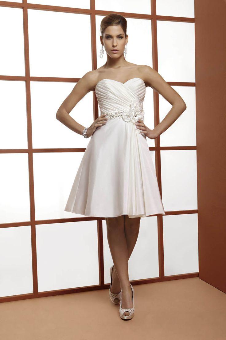 abito da sposa corto  www.protagonisti.it