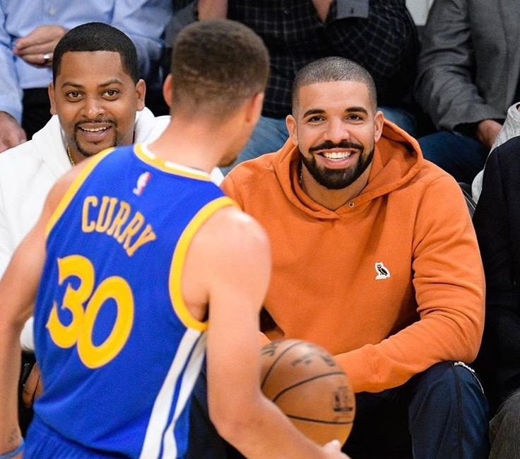 Steph with Drake court side