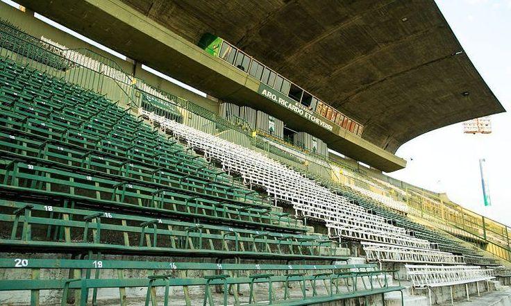 """120 Me gusta, 1 comentarios - Ferro Oficial (@ferrooficial) en Instagram: """"#Fútbol Tras el partido entre #Ferro y @CSyDFlandria habrá un simulacro de evacuación. Más…"""""""