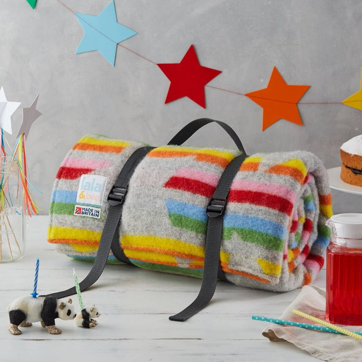 Are you interested in our picnic blanket? With our picnic rug you need look no further.