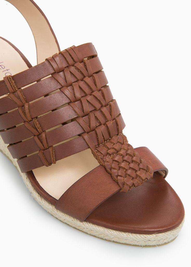 Sandali intrecciati pelle