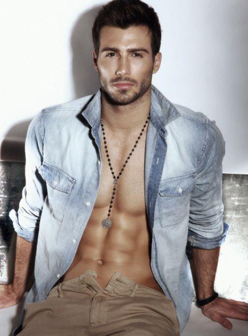Justin Clynes. hot men. #hotmen #shirtless ~ as Joe, KILLING MINDS. Dark brown hair, midnight blue eyes.