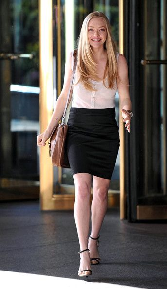 Love the casual office look!