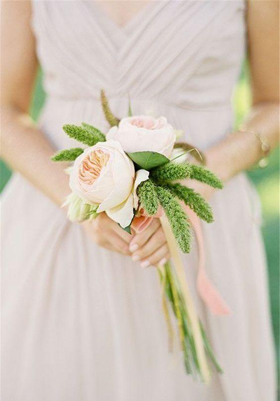 Свадебный букет для миниатюрной невесты, букеты марта спб