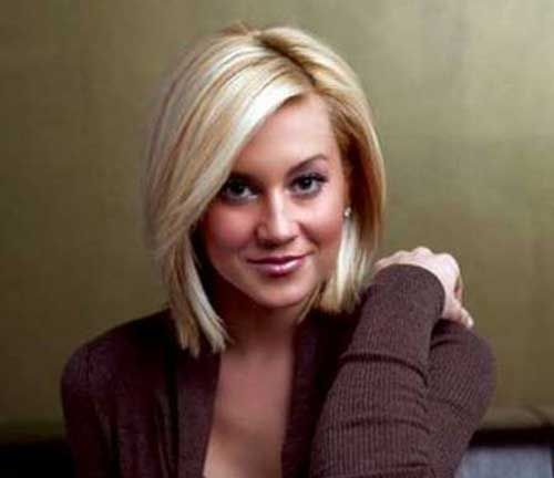 10.Short Hairstyle for Fine Straight Hair