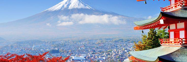 В ясный солнечный день, когда на японском небе нет ни единой тучи, а это бывает крайне редко, на юго-западе, со стороны Токио, можно увидеть снежную вершину самого прекрасного из спящих вулканов – священную Фудзияму! Все, кто планирует свое путешествие в Японию, в обязательном порядке, должны подняться на Фудзи, это одно ...