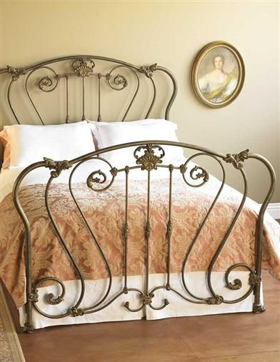 .OMG..love this bed..gorgeous..not the linens..just the frame.