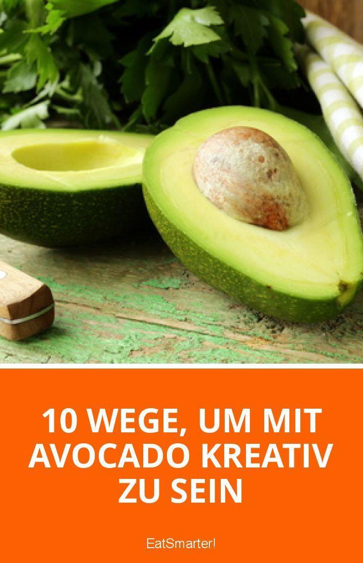 Mmmhhh Avocado – die cremige Frucht hat in unseren Obstkörben schon einen festen Stammplatz gefunden. Doch wie kreativ und vielseitig das Obst ist, das wissen viele noch nicht. Besonders für Veganer, Glutenunverträgliche oder alle, die ein paar Pfunde loswerden wollen, ist hier ein Rezept dabei. Was man alles aus Avocados zaubern kann, sehen Sie in unserer heutigen EAT SMARTER-Topliste! Mehr zum Abnehmen gibt es auf interessante-dinge.de