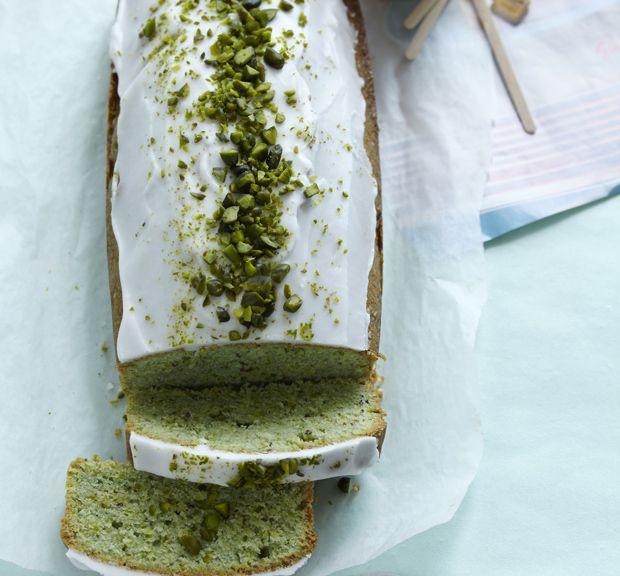 Den lækreste pistaciekage, vi længe har smagt. Spice din traditionelle sandkage op med pistacienødder, der giver en mild konfektsmag. Mums!