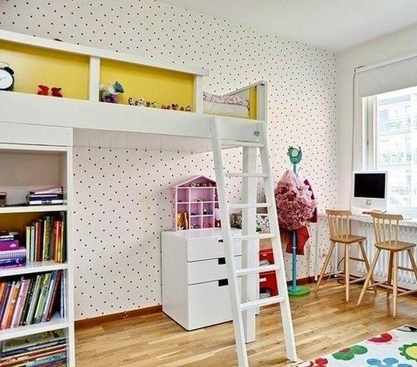 hochbett mit wei er treppe daneben interessante wandgestaltung hochbetten f r kinder und. Black Bedroom Furniture Sets. Home Design Ideas
