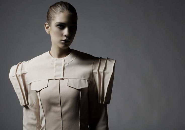 Photo : Peter Ravnsborg  Model: Cathrine Saks  Design: Beate Godager