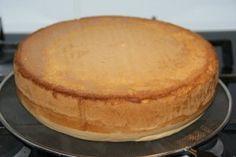 Biscuitdeeg recept: Zelf een taartbodem maken | Taarten maken, taart bakken en cupcakes versieren | Taart recepten