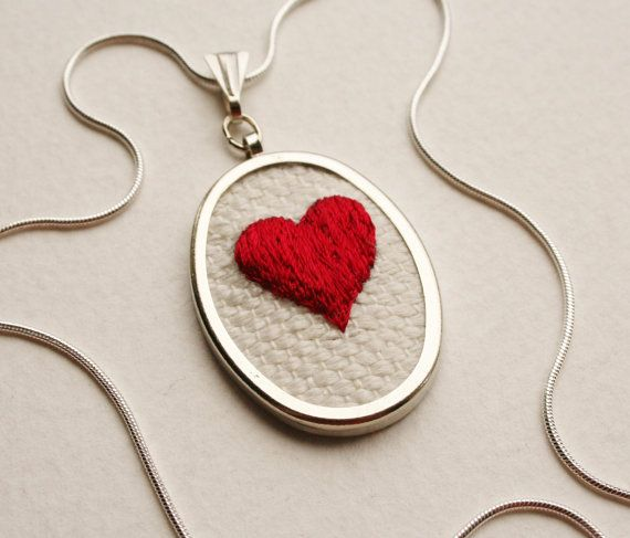 Valentine Hand Embroidered Red Heart Necklace Hand door SamPGibson