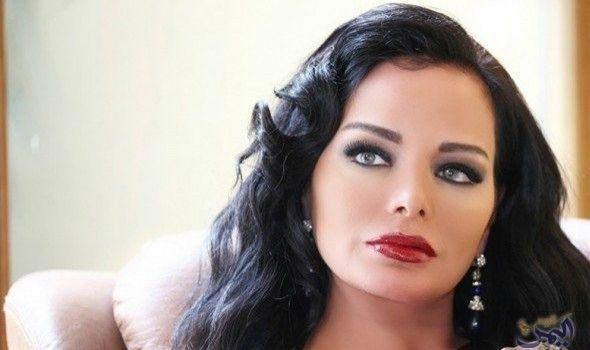 الممثلة السورية تولين بكري تفضح خفايا الوسط الفني